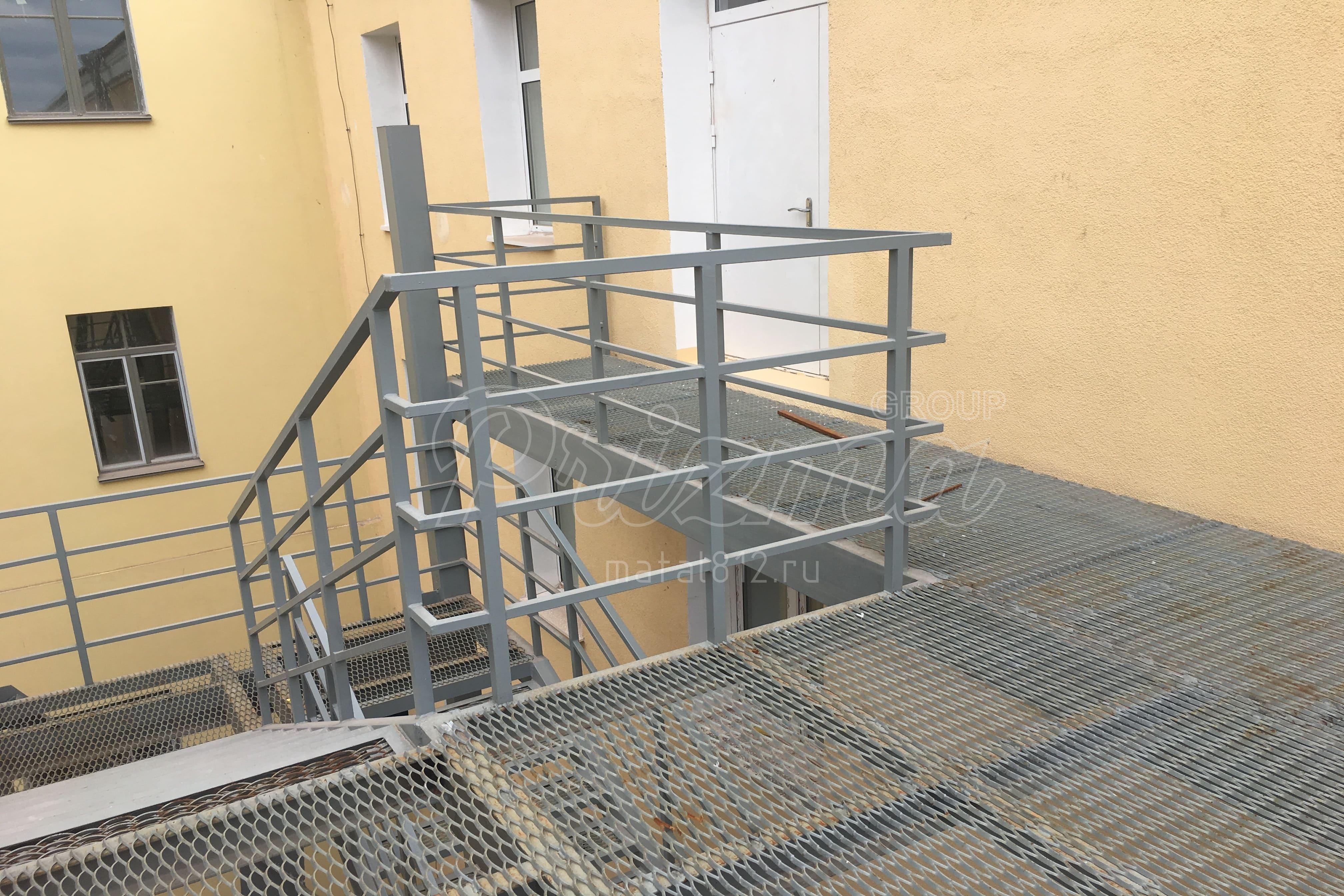 Ограждение наружных лестниц в СПБ