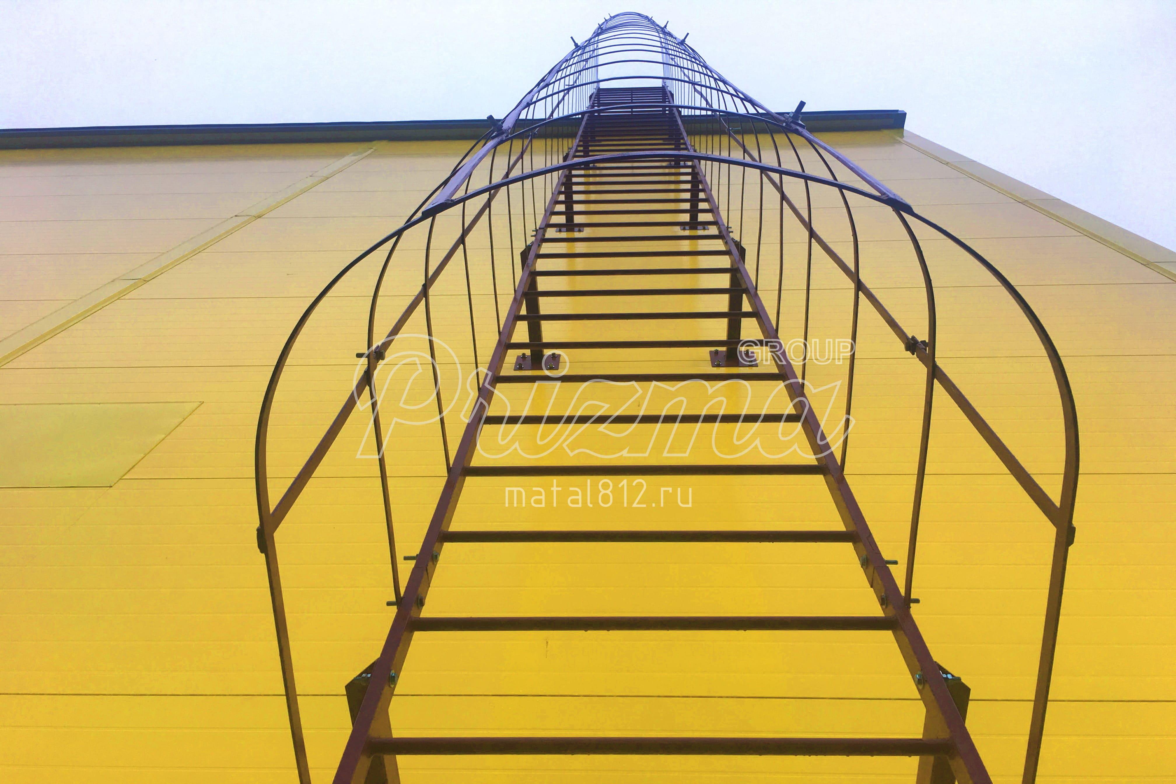 Металлическое ограждение пожарных лестниц по ГОСТ