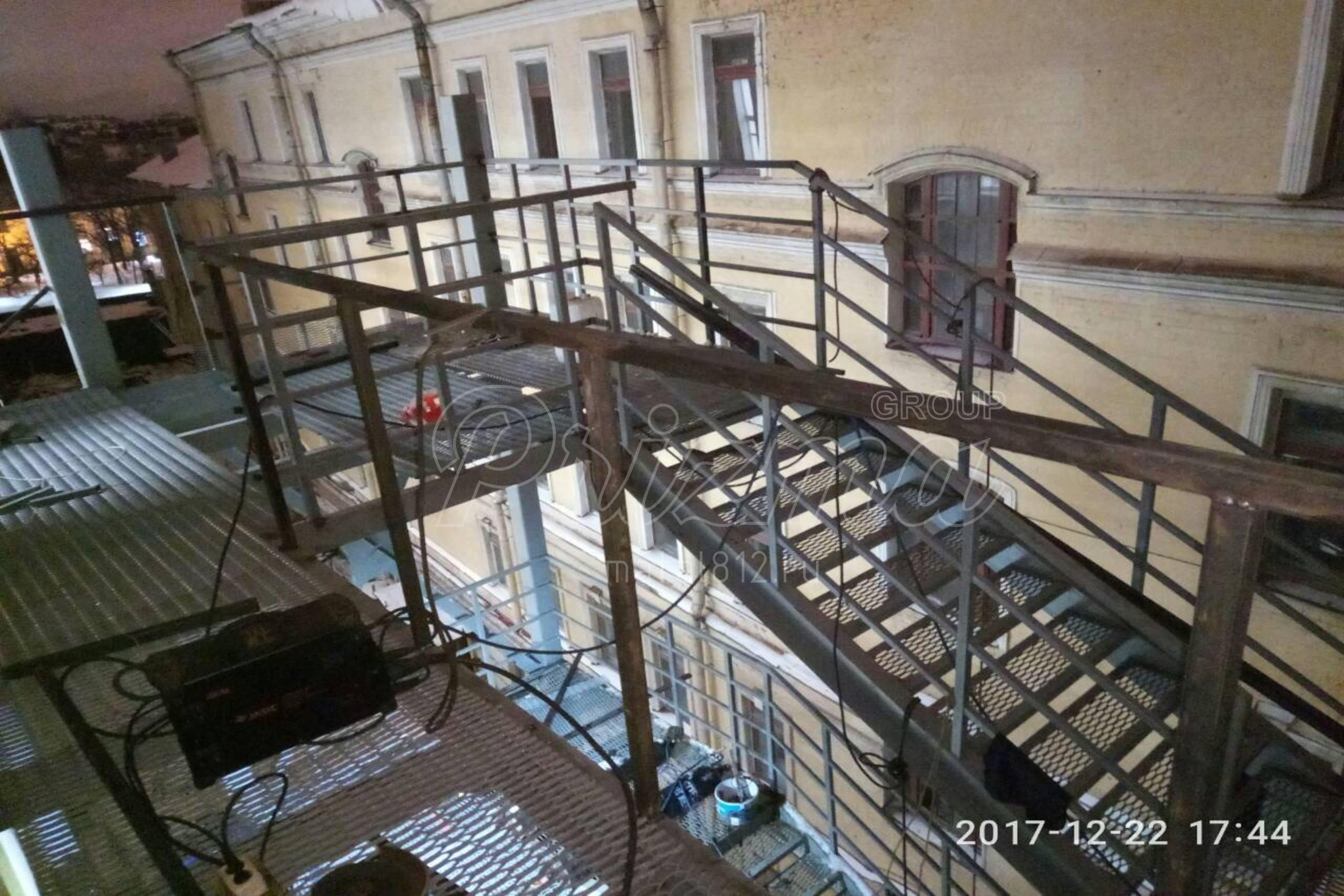 Сварноеное ограждение маршевых лестниц П2