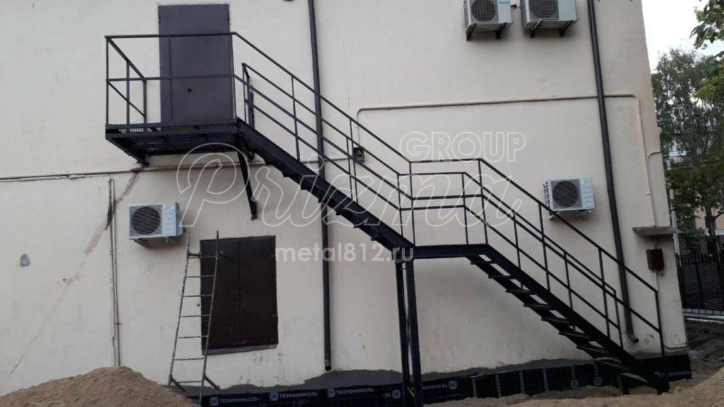 Маршевая лестница П2